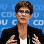 Succesoarea Angelei Merkel va demisiona de la șefia CDU, dar va prelua portofoliul Apărării
